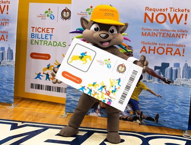 Hasta la mascota Pachi hace campaña para vender tickets.