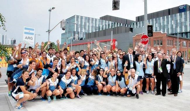 Parte de los 467 deportistas argentinos en la Villa Panamericana.