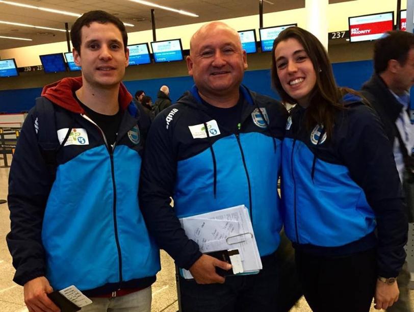 Lucas y Maru con Claudio Adorno, el entrenador nacional.