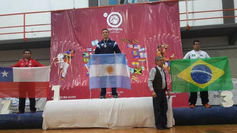 Maier en lo más alto del podio con su cuarto oro sudamericano.