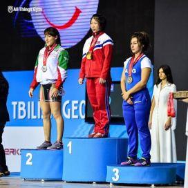 Joana Palacios fue bronce en envión y quinta en el total del Mundial juvenil.