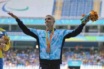 Hernán Barreto, bronce en 200 T35.